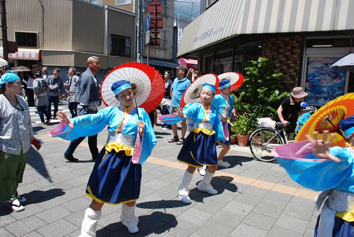 高知の夏はよさこい祭 :